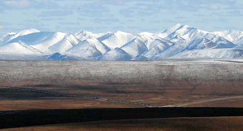 The Brooks Range - on the Way to Prudhoe Bay