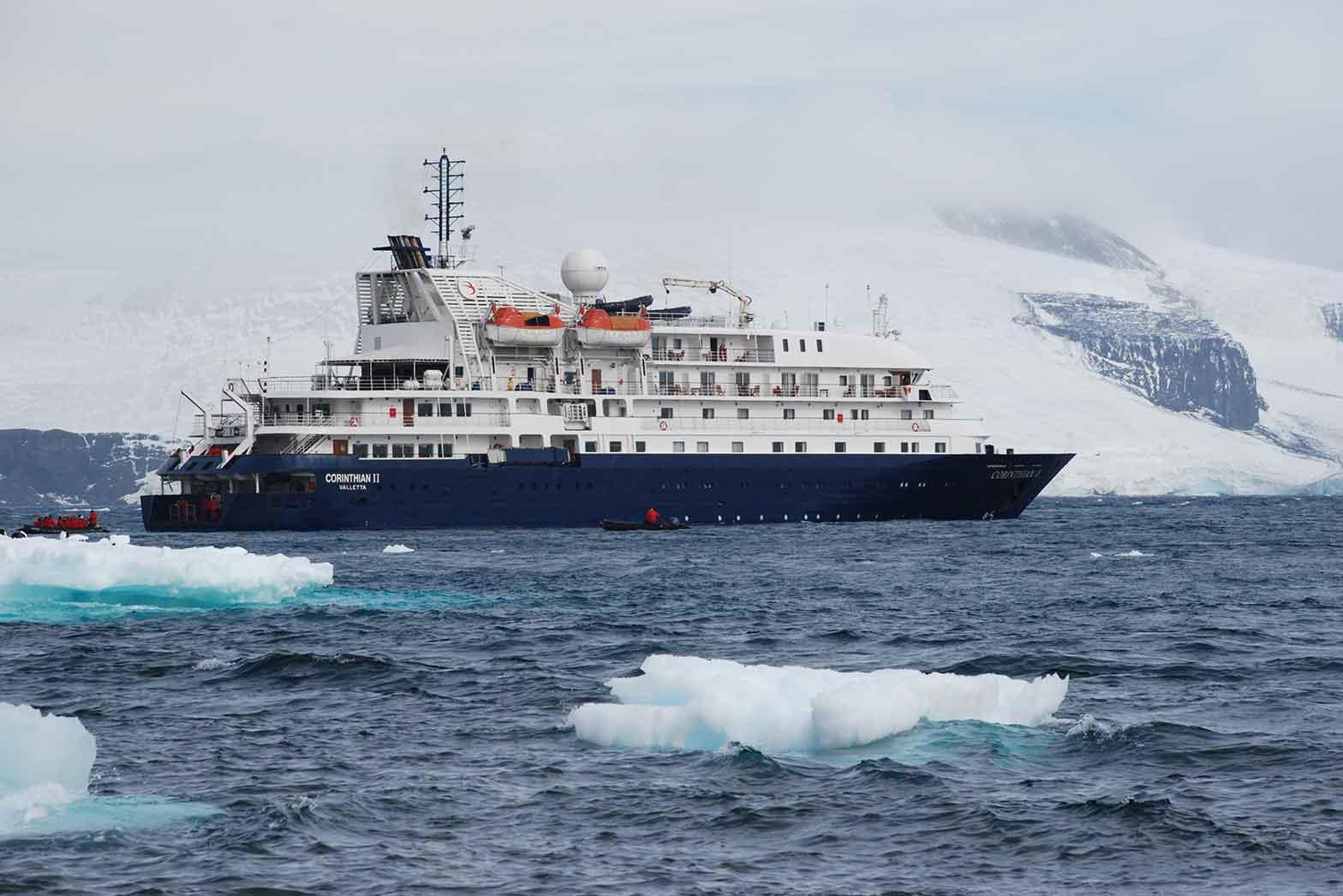 Cruise vessel