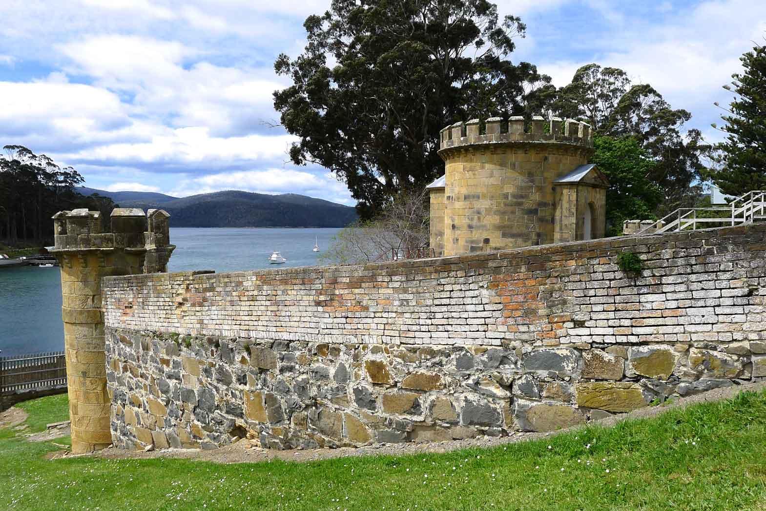 Australia-and-Tasmania-Slider33