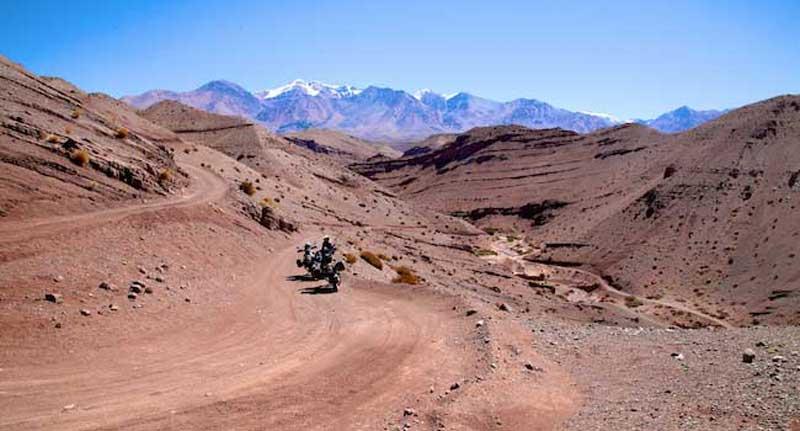 Riding the Cordillera de Ansilta